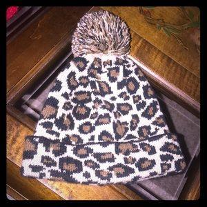 NWOT Brown & Tan Leopard print Beanie w/ pom-pom